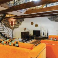 Apartment Dutovlje 01, hotel in Dutovlje