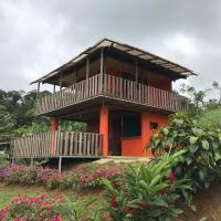 Casa La Piña, Rio Celeste - Parejas, hotel in San Rafael