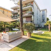 Two-Bedroom Apartment Desenzano del Garda BS with a Fireplace 04