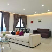 Cozy 3BR Family Suites with Amazing View @ Level39, hotel in Gelugor