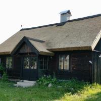 Dom Letniskowy Wakacje Pod Strzechą, hotel in Markocin