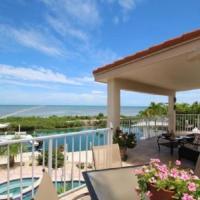 Oceanfront Jewel 3bed/2bath with open water views, pool & dockage
