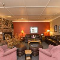 Hibernation House 112 Hotel Room, hotel in Whitefish
