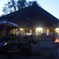 chata na pláži jazera Kurinec, hotel in Rimavská Sobota