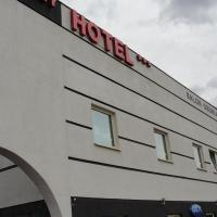 Hotel Sunny, hotel in Grunwald, Poznań