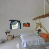 Footsteps Eco-Lodge, hotel in Gunjur
