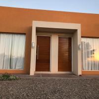 Apart Las Palmeras Corcovado, hotel en Villa Rumipal