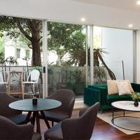Refined Apartment Close To Nightlife, Restaurants With Car Space