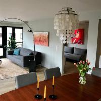 Modern and comfortable city center apartment- beach around the corner