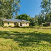Holiday Home Rauhalinna