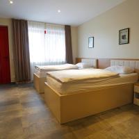 Nava Motel & Storage, hotel in Wiener Neustadt