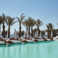 Nikki Beach Resort & Spa Santorini, hotel in zona Aeroporto Internazionale di Santorini - JTR, Kamari