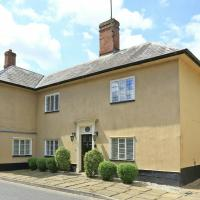 Luxury holiday home in High Street with garden