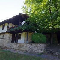 къща за гости Мария Савекова 18 век, hotel in Bozhentsi