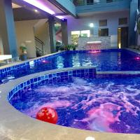 FARAWAY SUITES, hotel in Vang Vieng