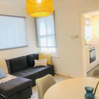 1 Bedroom City Apartment, Opulent Living Serviced Accommodation Cambridge, Free Parking