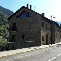 Apartamentos Solans, hotel in Bielsa
