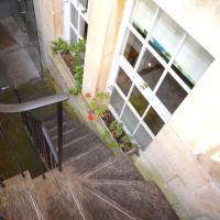 Garrard's Retreat - 1 Bedroom with marble floors & patio