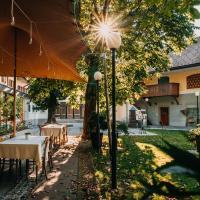 Dvor Jezersek Brnik, hotel near Ljubljana Jože Pučnik Airport - LJU, Cerklje na Gorenjskem