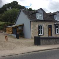 Roselea Hunting Lodge, sea view, self catering, sleeps 4, dog friendly