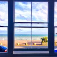 Stunning Beach View Holiday Suite