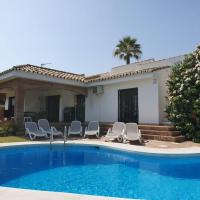Sea view villa with pool, near beach in Calahonda, Marbella area