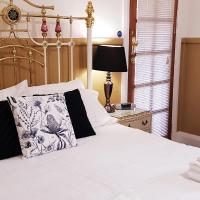 Coppers Hill Private Accommodation, hotel in Gloucester