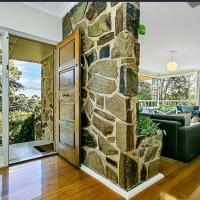 Stunning house with beautiful entertainment area!!