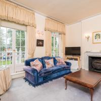Royal Richmond Family Home by Kew Gardens, hotel in London
