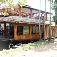 Floatingdays Premium houseboat with all meals, отель в Аллеппи