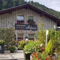 """Ferienhaus """"Alfenz"""", hotel in Klösterle"""