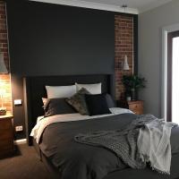 Executive Villa, private 2 bedroom in ideal location