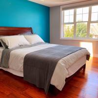 Nice rooms with private bath in Mid Town Toronto, hotel em Toronto