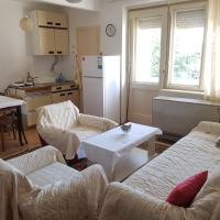 Lovely central apartment with free parking!