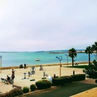 Appartement neuf 6 couchages 50 metres de la plage, hotel in Gruissan