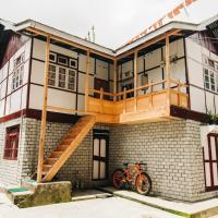OurGuest Dhatup Homestay, hotel in Lachen