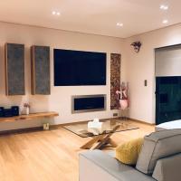 Luxury & Stylish Family Apartment
