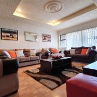 Grey Oak Holiday House, hotel in Bulawayo
