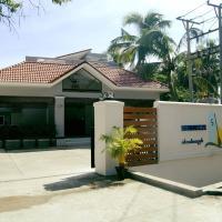 Sea Breeze Lodge Ngapali, hotel in Ngapali