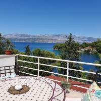 Holiday Home Dora, hotel in Splitska