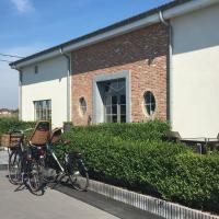 Charmehotel ' T Kruishof/LuXus, hotel in Ostend