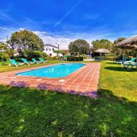 Can Micos - casa rural exclusiva con 9 habitaciones con piscina privada, hotel en Riudarenes