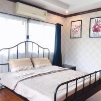 24 Hostel Donmuang, hotel in Thung Si Kan