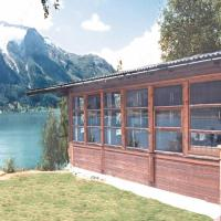 Three-Bedroom Holiday home in Oppstryn