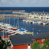 Three-Bedroom Holiday home in Hasle 2, hotel in Hasle