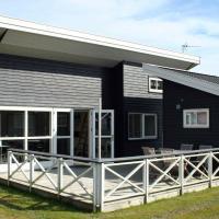 Holiday Home Rø Skolevej II