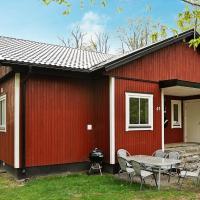 Two-Bedroom Holiday home in Tjörnarp 4, hotel in Torup