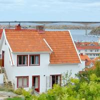 Two-Bedroom Holiday home in Kungshamn 2