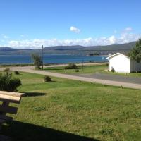 Sea Breeze Cottages, hotel em Ingonish