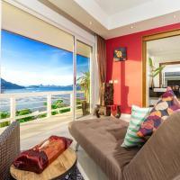 D-Lux Amazing 5 bed sea view villa, hotel in Por Bay